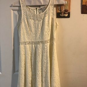 NEW CONDITION Ivory Lace Dress